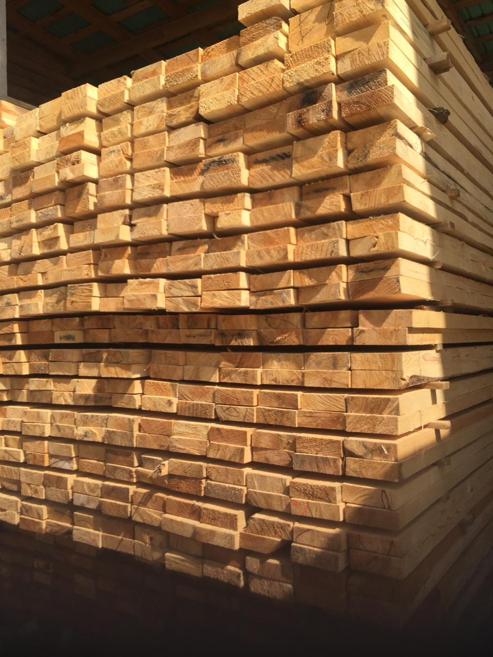 Обрезная доска 50х150х6000 мм из сосны и ели
